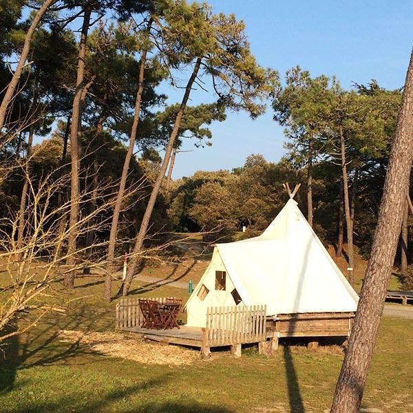 Camping 4 toiles camping luxe noirmoutier camping de la bosse - Camping noirmoutier tipi ...