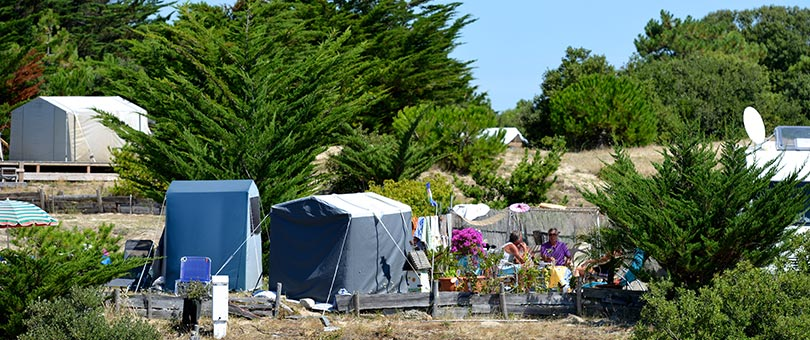 Emplacement camping vend e r server son emplacement de camping noirmoutie - Camping noirmoutier tipi ...